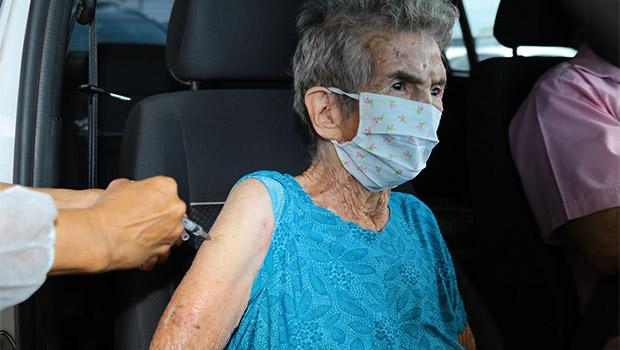 Aparecida suspende vacinação drive-thru no domingo, 11