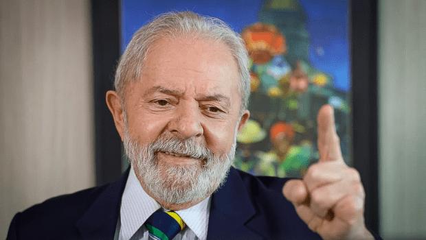 Pela primeira vez, Lula anuncia que se candidatará à Presidência em 2022