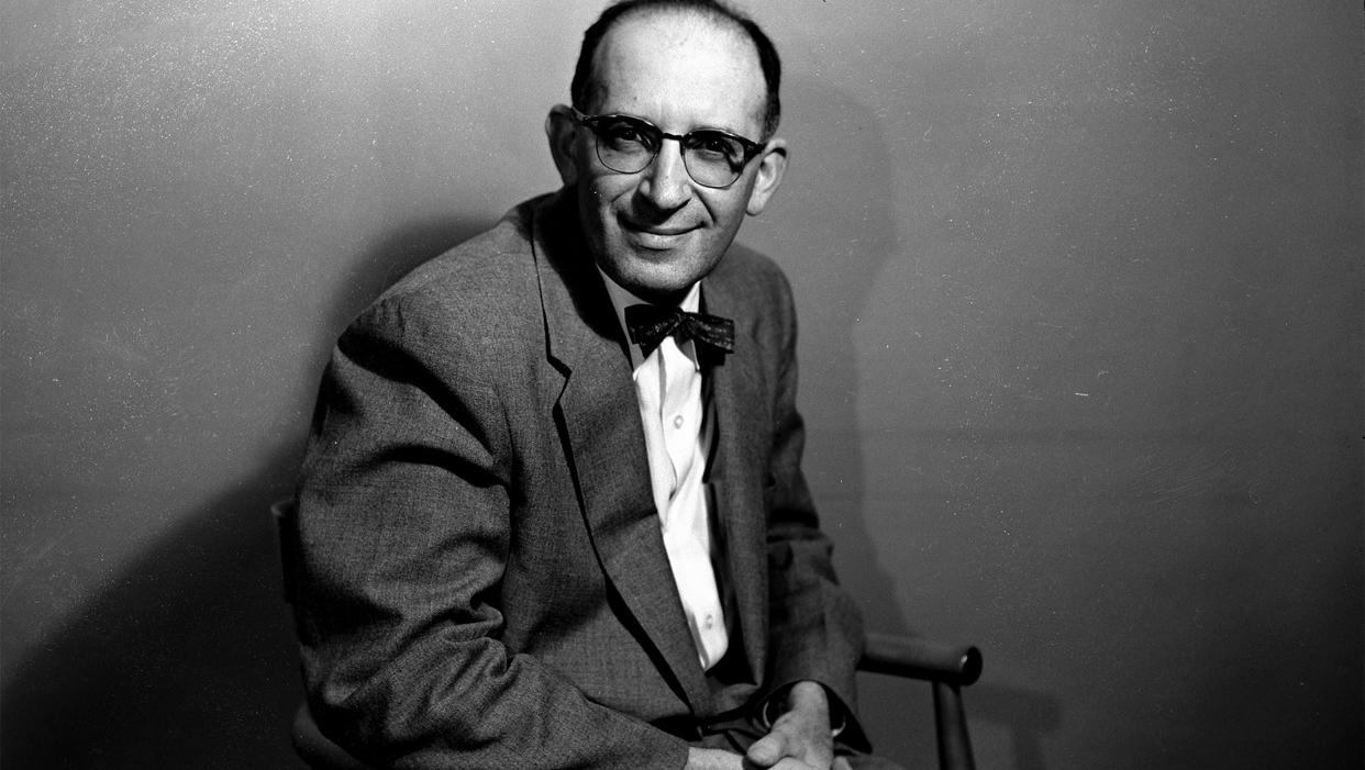 """Em """"As Vidas de Dubin"""", Bernard Malamud descreve a crise do fim da maturidade de um biógrafo judeu"""