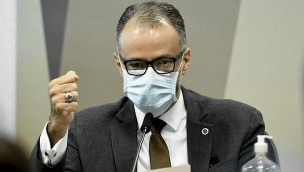 Presidente da Anvisa reafirma que Governo Federal queria mudar a bula da Cloroquina