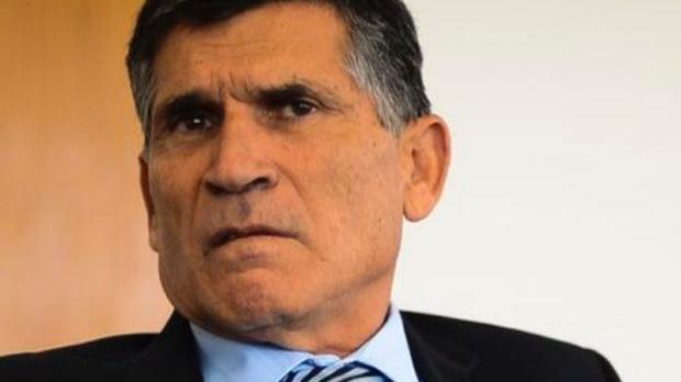 Pazuello recebe críticas de generais após participação em ato ao lado do Bolsonaro