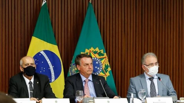 Bolsonaro anuncia auxílio de R$ 2 bi para as Santas Casas e hospitais filantrópicos