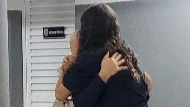 Polícia localiza adolescente desaparecida e homem que a abrigou será investigado