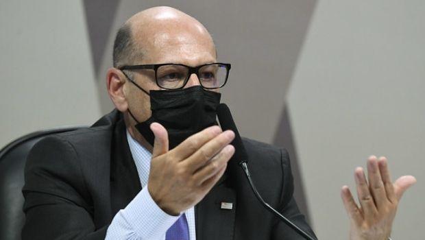 Diretor do Butantan desmente Pazuello e diz que declarações de Bolsonaro levou à interrupção da compra de vacinas
