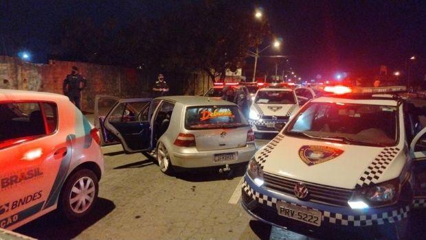 Fiscalização apreende cinco carros de som em festa clandestina, em Aparecida