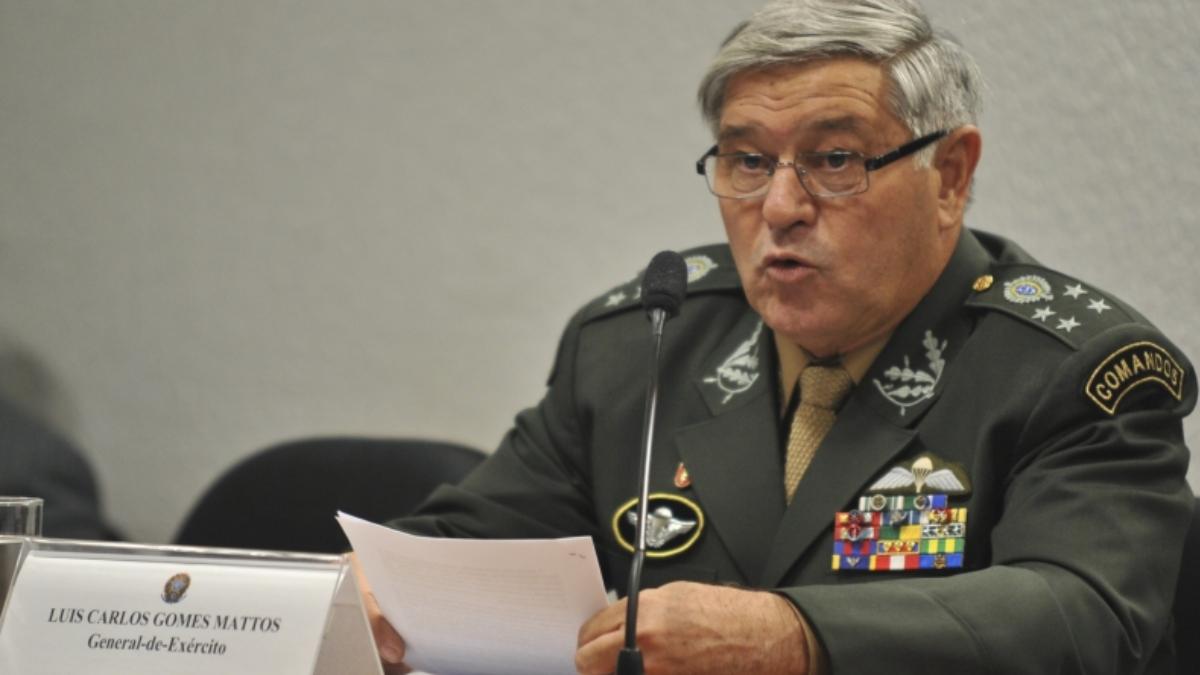 General do Exército sugere que Bolsonaro não pensa em golpe. Terá razão?