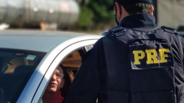 PRF flagra cerca de 400 infrações nesse início de feriado em Goiás
