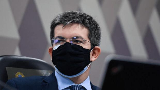 Para Randolfe Rodrigues os fatos apontados contra Bolsonaro são suficientes para motivar o impeachment