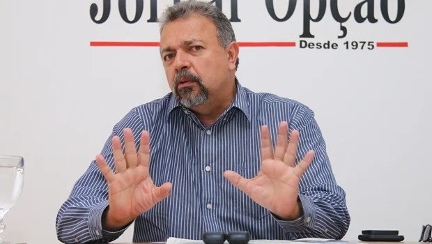 """Elias Vaz afirma que é preciso consolidar uma alternativa contra Bolsonaro: """"Pode ser o Lula ou o nome do PSB, Flávio Dino"""""""