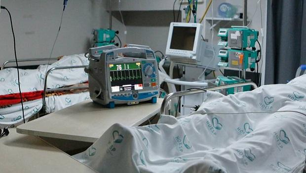 Maioria de mortes por Covid ocorre pela primeira vez entre menores de 60 anos