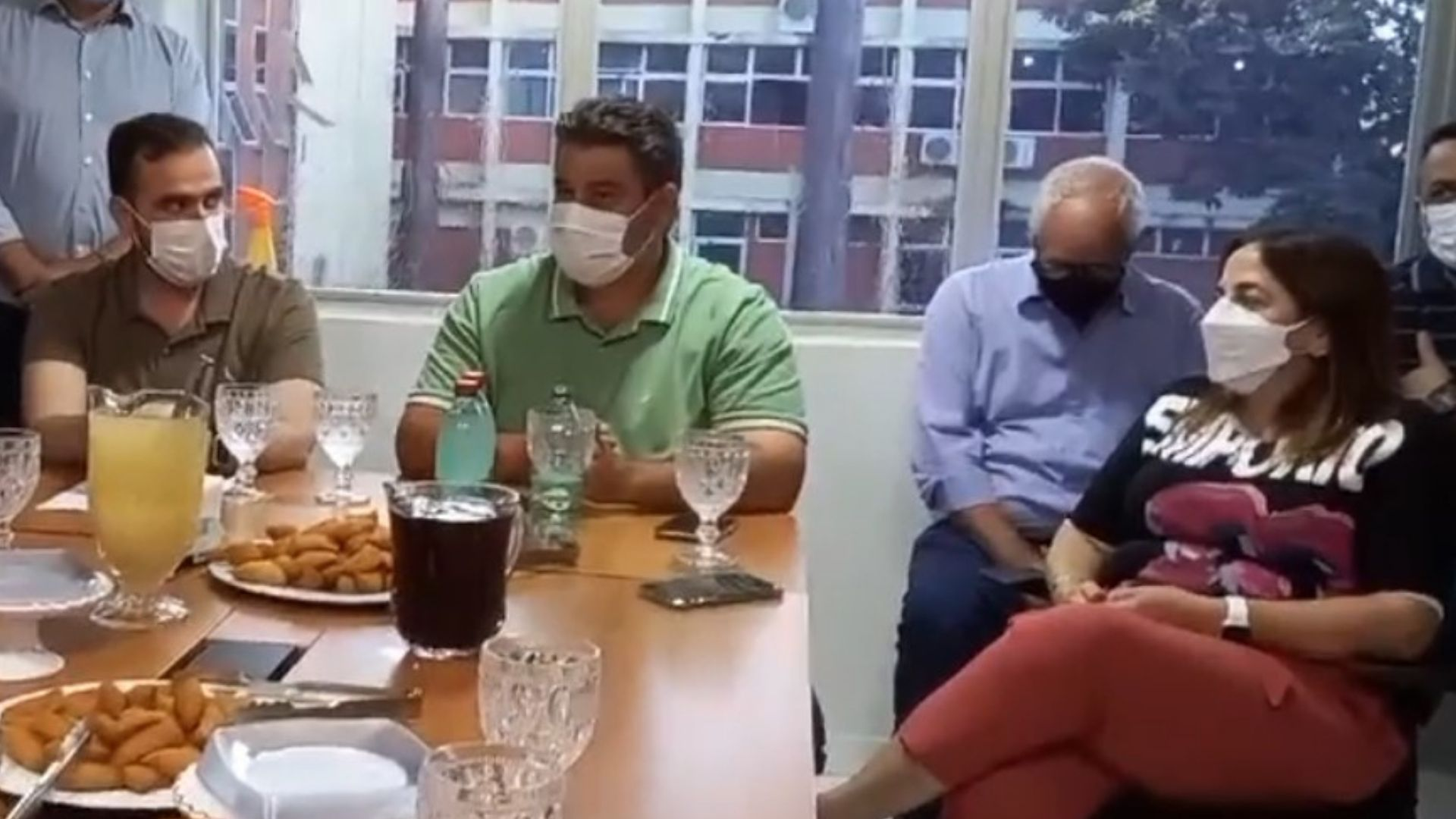 Prefeito tucano defende Gustavo Mendanha para comandar frente ampla articulada por Marconi