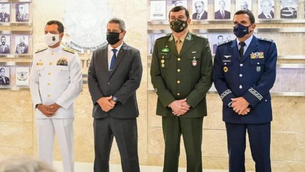 De volta à tutoria militar da República?
