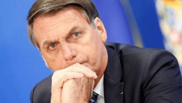 Bolsonaro é internado no Hospital das Forças Armadas após passar mal