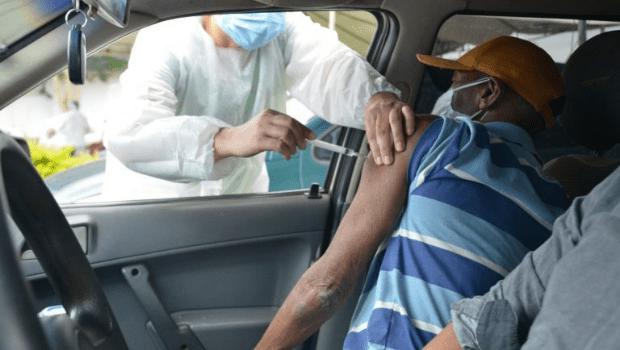 Aparecida de Goiânia continua imunização de pessoas acima de 32 anos