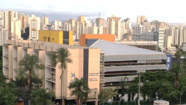 Professores da PUC-GO manifestam contra mudança de nome da Escola de Artes e Arquitetura
