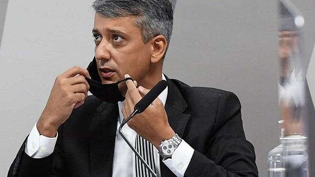 Ex-diretor acusado de pedir propina é preso durante depoimento à CPI da Covid