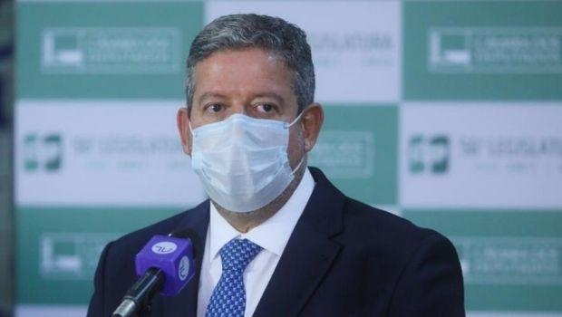 """Voto impresso: após derrota, Lira espera """"bom senso"""" de Bolsonaro"""