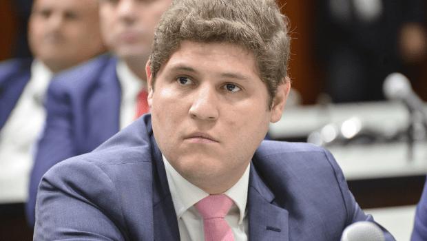 Deputado Lucas Calil alerta sobre golpes virtuais aplicados em seu nome