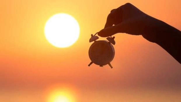 Em meio a crise energética, governo diz que voltar horário de verão não resolve