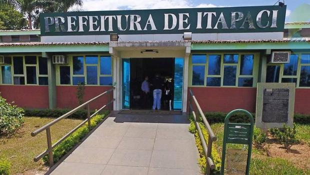 Sob suspeitas de fraude, Prefeitura de Itapaci tem 48 horas para conceder gratuitamente documentos de licitações