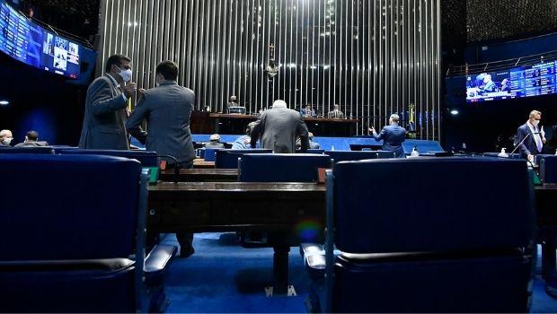 Senado aprova projeto que revoga Lei de Segurança Nacional