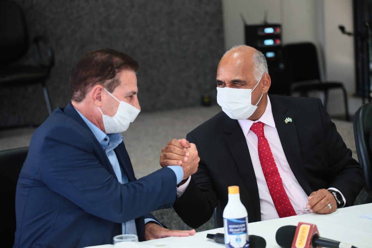 """Em visita a Rogério Cruz, Vanderlan sinaliza que aproximação pode gerar """"frutos políticos"""" em 2022 e 2026"""