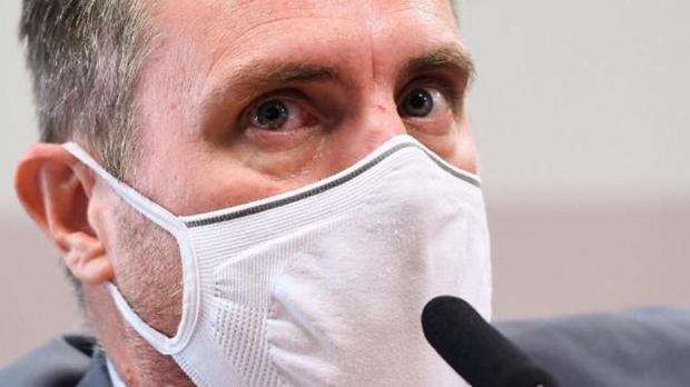 Conversas mostram que Dominghetti negociava muito mais que vacinas contra a Covid-19