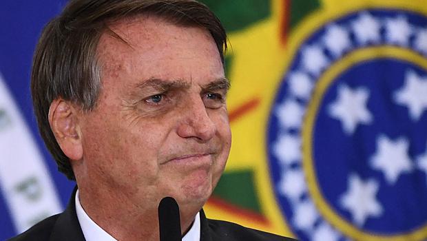 Bolsonaro tem rejeição recorde de 64%, diz pesquisa