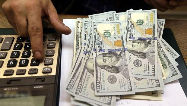 Para economista, o superávit nas contas externas é positivo. Mas não alivia bolso do brasileiro devido a alta inflação