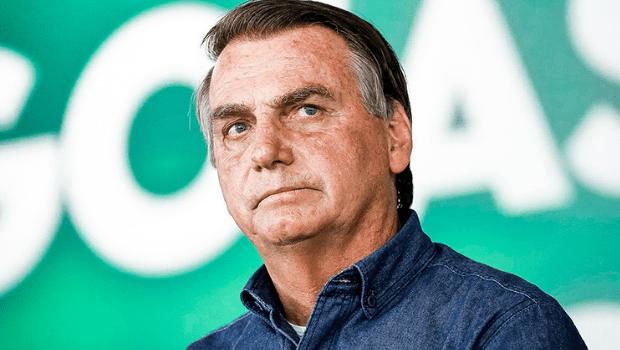 """""""Bolsonaro está fazendo balbúrdia"""", diz economista sobre alta do dólar e inflação, e queda da bolsa"""