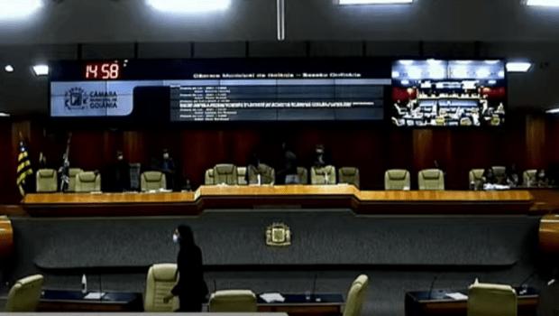 """Ronilson acusa Sabrina Garcês de """"sabotar"""" emenda ao projeto do Código Tributário e sessão é suspensa"""