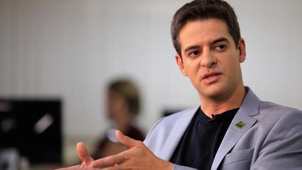 """""""Não foi uma postura técnica"""", diz Ismael Alexandrino sobre MS suspender imunização e adolescentes"""