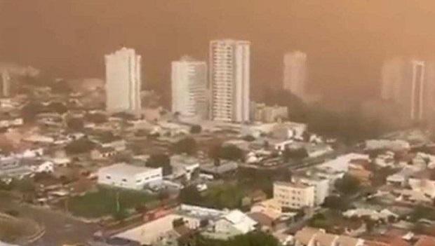 Tempestade de areia em 9 municípios de MS contribuiu para naufrágio de chalana
