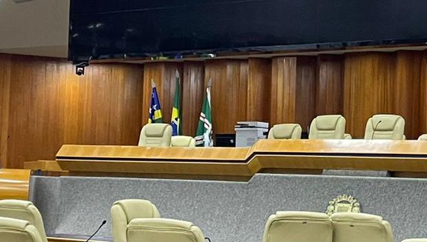 Câmara deixou de abrir sessão plenária por falta de quórum
