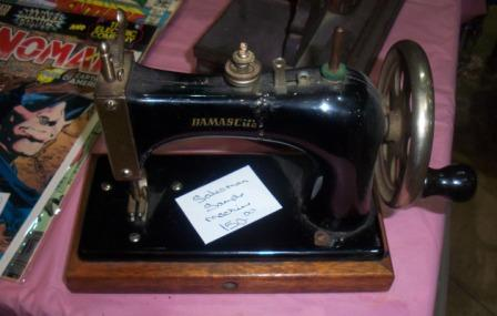 Antique-Sewing-Machine-Salesman-Sample