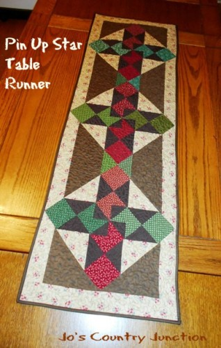 Pin Up Star Table Runner