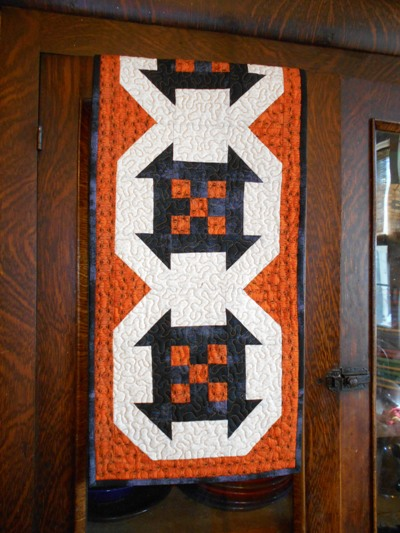 Halloween-table-runner-free-pattern-3