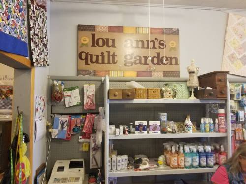 LouAnns-Quilt-Garden-and-retreat-1