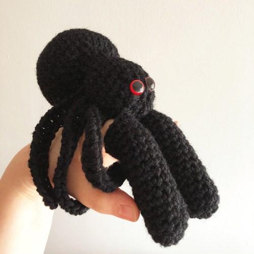 spider finger puppet crochet 2