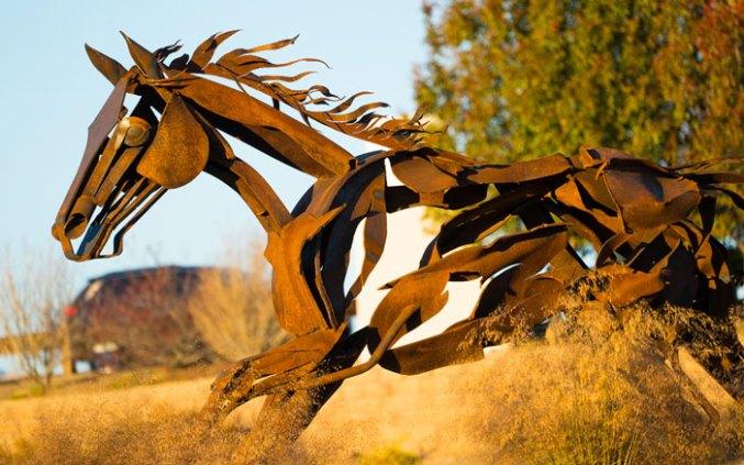 Running-Horses-Commission-2278