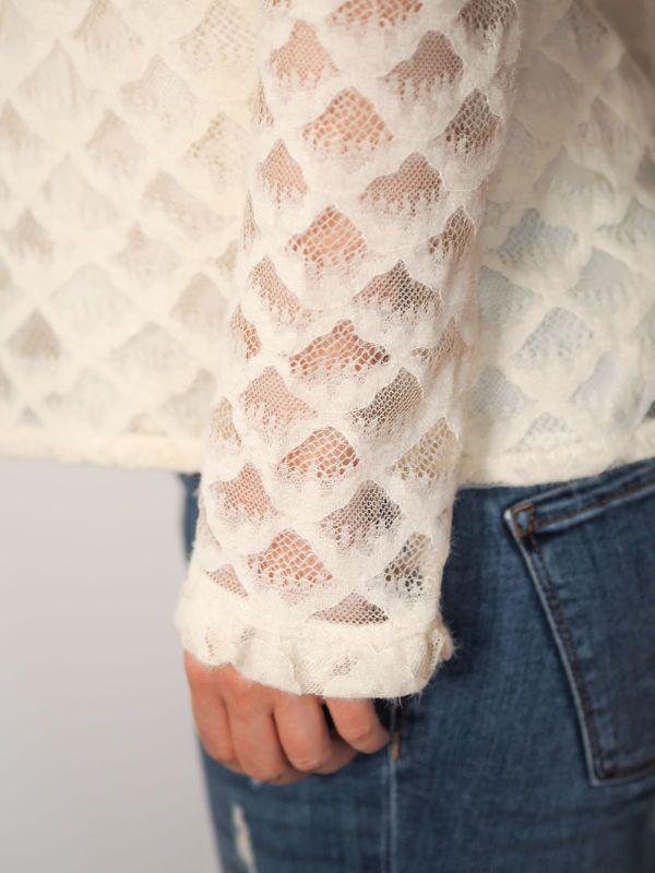 camisa color hueso con brocado Josephine Looks 4