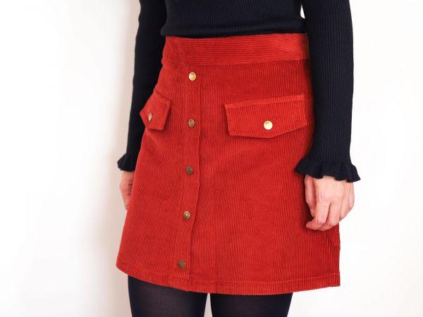 Falda de pana evasé color caldera