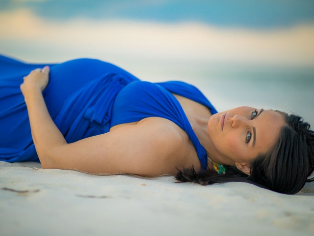 BC8A4090 640x480 c - Grand Cayman Maternity Photography
