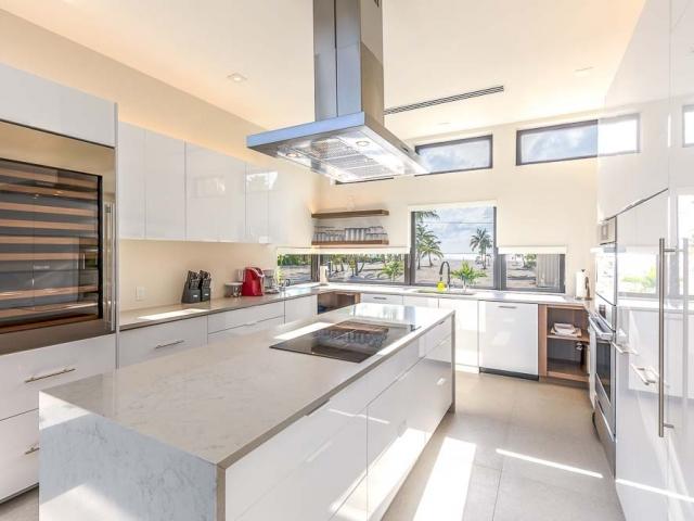 BC8A9426 HDR Edit 640x480 c - White Dahlia Real Estate