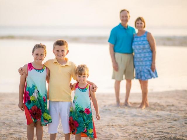 BC8A1498 640x480 c - Cayman Family Photographer