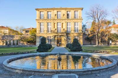 "The Vendôme Pavilion is the seventeenth century ""pleasure palace"" built byt theDuke of Vendôme to house his passionate love affair with Lucretia de Forbin Solliès.."