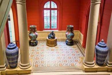 Paris-Cernuschi ceramic urns.