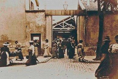Lyon-Lumière Archive.