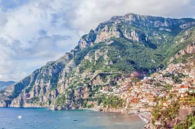 Along Amalfi Drive.