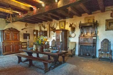 Vezere-Reignac dining room.